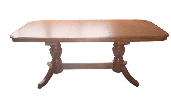 Овальный деревянный стол