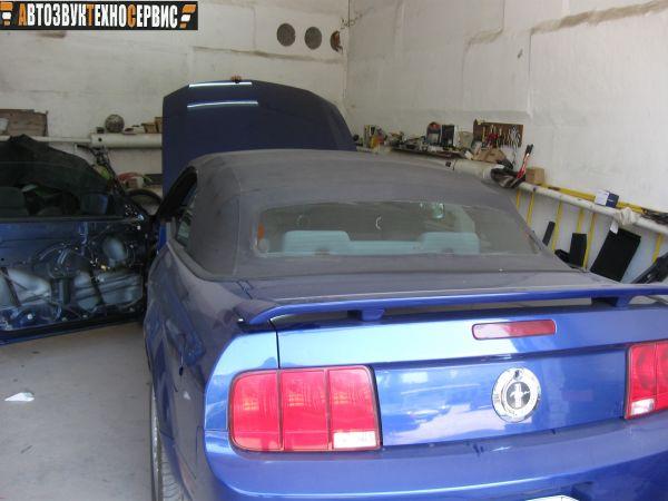 установка двухдиновой магнитолы на ford mustang