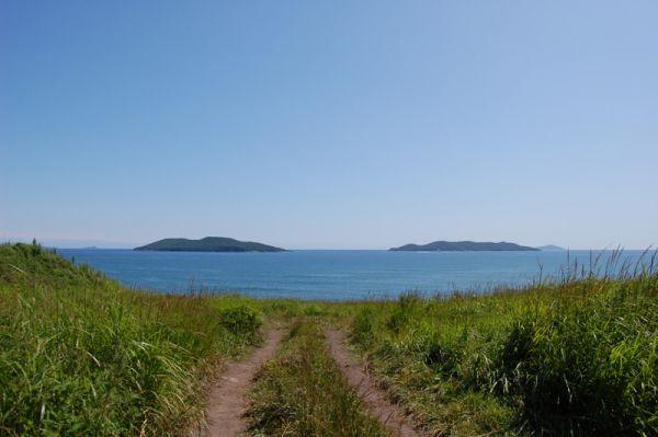 Два острова, вокруг которых можно прокатиться с экскурсией на катере.