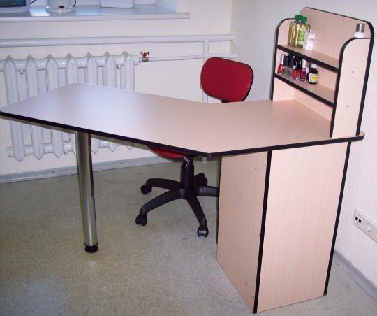 Какой у вас стол для маникюра