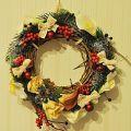 """Венок новогодний 25см диаметр """"Цветы и ягоды в снегу"""""""