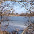 Участок на озере