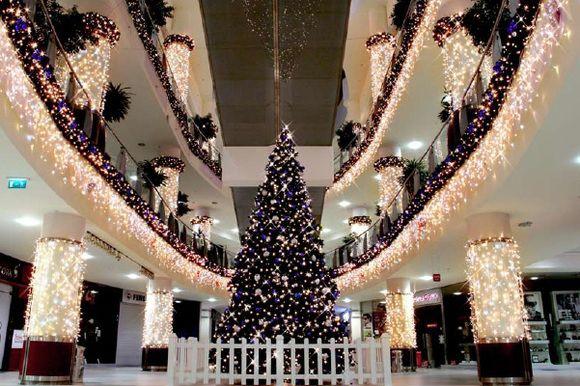 Украшения торговых залов в новый год