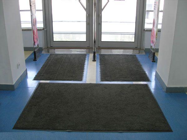 Картинки по запросу Услуга стирки и замены грязезащитных ковров у входа