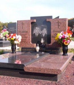 Памятник из красного гранита уфа надгробные памятники маме щелково