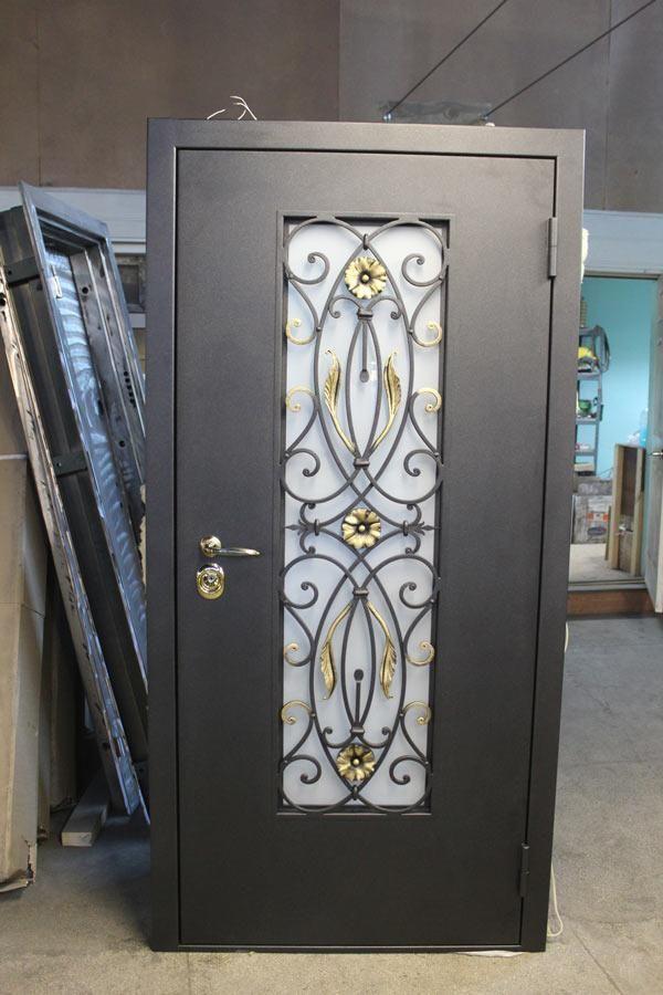 изготовление металлические двери со стеклом